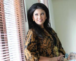 7 Dokter Paling Cantik di Indonesia dr Rosa Rai Djalal