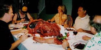Gambar Orang Makan Malam